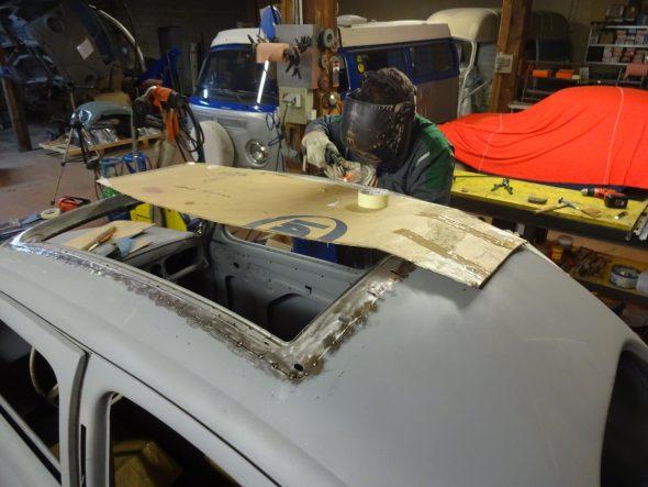 pose d'un toit découvrable VW Coccinelle-106